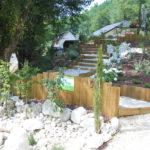 Massifs Végétaux/ végétal Plantes Vivaces Arbustes Plantations Paillage Mineral / copeaux bois / pouzolane Ardoise Jardinières Enrochement Murs de soutènement